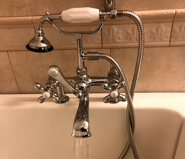 Faucets / Fixtures - All Star Plumbing - bathtub1